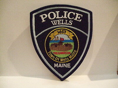 police patch    WELLS POLICE MAINE