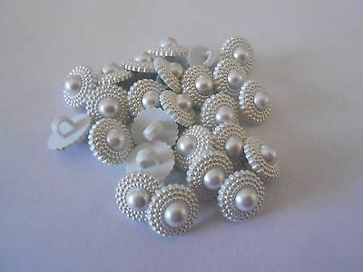 W33 * 24 White Shiny Resin Shank Buttons New & Unused 13Mm
