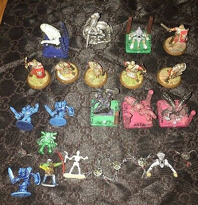 24 piece lot - Wizards Of The Coast Miniatures Various Knights Figures Etc