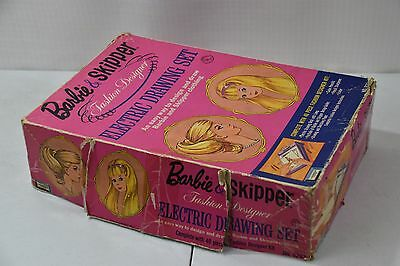 Lakeside Toys 1965 Barbie & Skipper Fashion Design Electric Drawing Set - WORKS