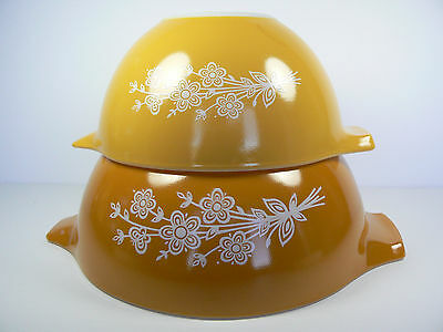 2 Vintage Pyrex Butterfly Gold Cinderella Nesting Mixing Bowls 441, 442