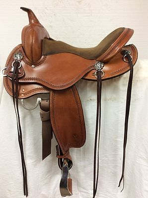 "Circle Y 16"" 2615 Gillette Flex2 Western Trail Saddle--Full Quarter Horse Bar."