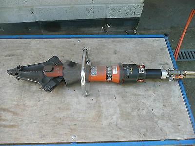 holmatro jaws of life rescue combi cutter / spreader model 2002 in working order