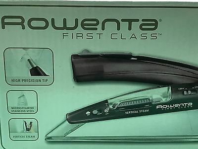 Rowenta Compact First Class Travel Dry/ Steam Iron DA1560 - in box barely used