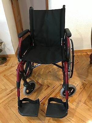 Silla de ruedas Sunrise Medical, modelo Breezy 250 color rojo