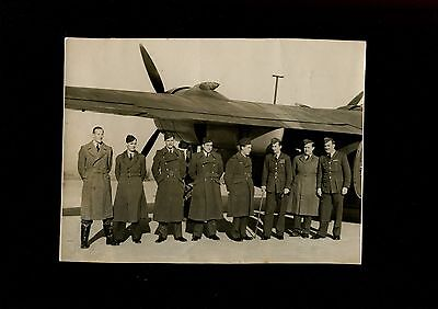 WW2 RAF Unidentified Press Photograph Aircraft with Officers
