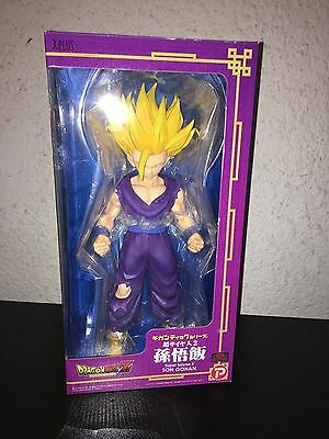 X-PLUS Gigantic Series Dragon Ball Z Super Saiyan 2 Son Gohan Figure