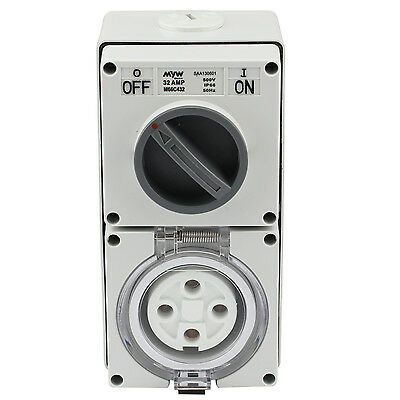 Switched Socket Outlet Cobination 32 Amp 500V 4 Round Pin Ip66 S.s.o