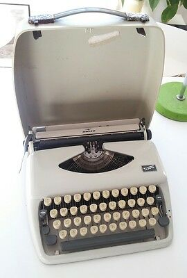Vintage ADLER TIPPA Typewriter SLIM Good working order W.Germany
