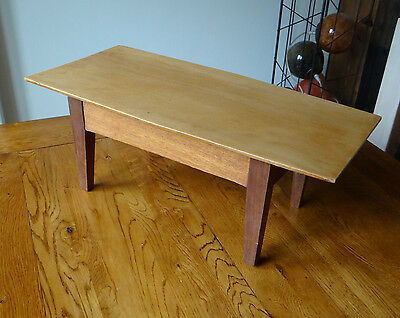 Vintage Mid Century Retro 60s 70s Small teak Coffee Table - Nice unusual shape!