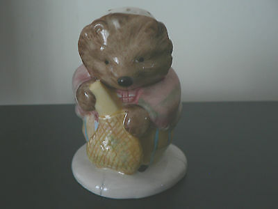 BESWICK BEATRIX POTTER MRS TIGGY-WINKLE BUYS PROVISIONS BP11a