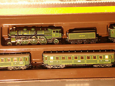 Marklin  Z:  8102 Bavarian Express passenger train  w. Steamloco 4-6-2