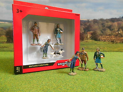 Britains Farm People Figures 1/32 40954 *boxed & New*