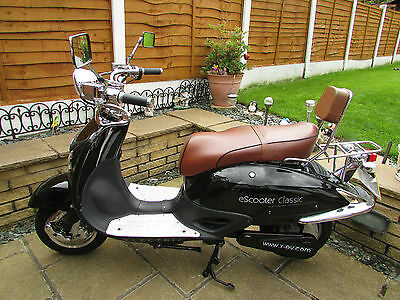 XERO ESCOOTER CLASSIC 2011 553Km's (343Miles) SPARES OR REPAIR ELECTRIC SCOOTER