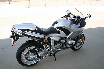 2004 BMW R-Series  2004 BMW R1100S Motorcycle, Low Mileage, Excellent Example