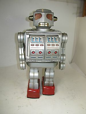 "Horikawa Attack Robot - 16"" Tall - Excellent Condition"