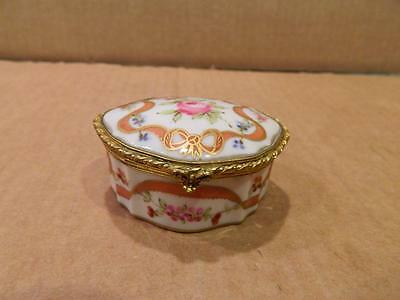 Oval Trinket Box Hand Painted Flowers & Gold Trim Antique