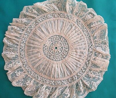 Vintage beautiful GATHERED LACE & COTTON DOILY cream coloured, unusual design