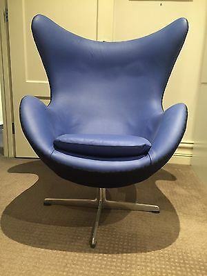 Replica arne jacobsen leather egg chair aud for Arne jacobsen stehlampe replica