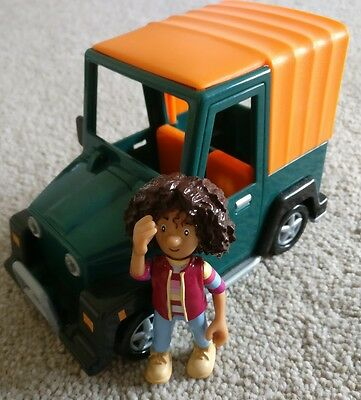 postman pat amy vet 4x4 friction jeep with amy figure