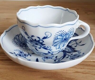 Beautiful Meissen Onion Pattern China Coffee Cup with Saucer