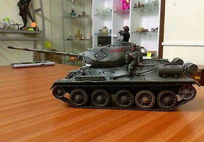 forces of valour 1:32 Russian T34-85 Tank