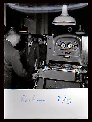 Fotografia Press Photo Vintage Politico Italiano Usa Macchina Industriale Wifag
