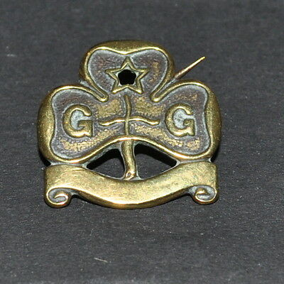 Vintage Brass Girl Guide Pin Badge Reg No 671782