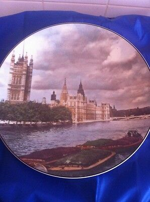 THE HOUSES OF PARLIAMENT LONDON ROYAL DOULTON PLATE  TC 1029 Thames River
