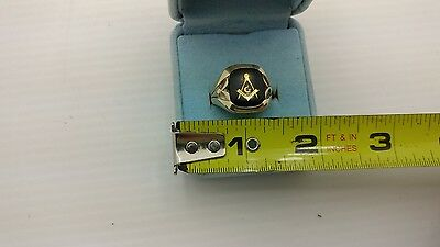 Vintage 10K Yellow Gold Onyx Masonic Ring Size 8.5