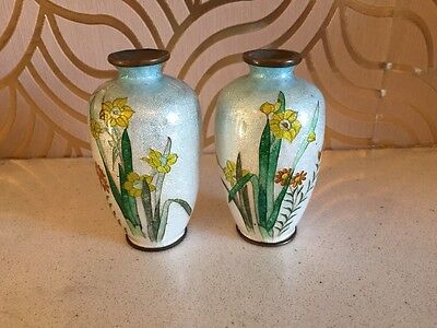 Stunning Pair Of Cloisonne Antique Miniature Metallic Vases Daffodil Decoration