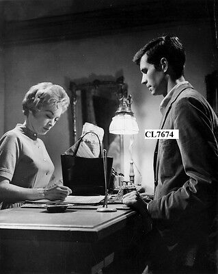 Anthony Perkins and Janet Leigh in the Movie 'Psycho' Photo