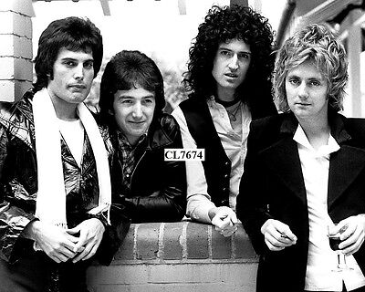 The Queen: Roger Taylor, Freddie Mercury, Brian May, John Deacon Group Photo