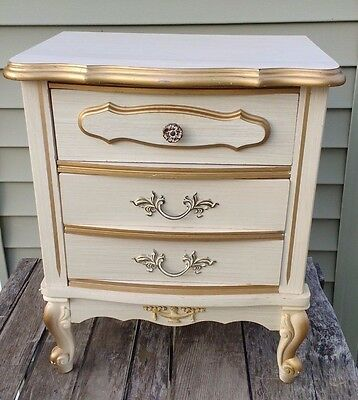 French Provincial Nightstand Side Table queen anne Brass White Gold 1970s 2 Ex