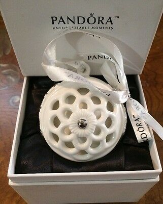 AUTHENTIC PANDORA NEW 2011 Limited Edition Holiday Ornament w/ outer Box
