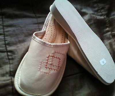 Women`s real leather slippers, size 5, EU 38. Clearance .