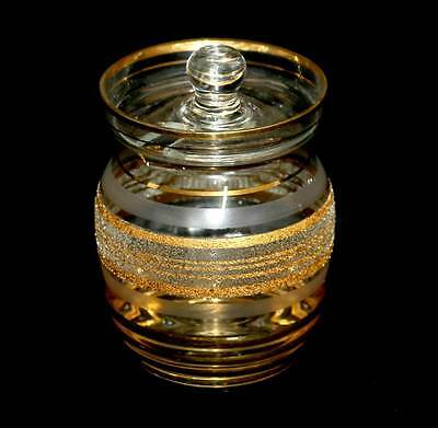 Vintage textured & gold gilded sugar bowl with lid. In great condition