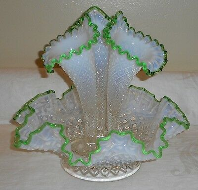 Fenton Opalescent Diamond Hobnail Emerald Green Crest Glass 3 Horn Vase Epergne
