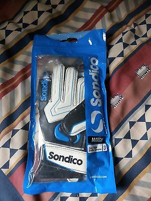Sondico   Keeper's  Gloves   Match   Size   3   Junior     With Tags    New Cond