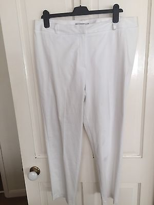 White 3/4 Length Trousers From M&S Size 16