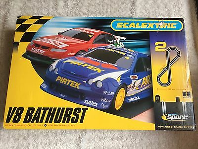 V8 BATHURST SCALEXTRIC advanced Track System  - As New