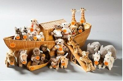 Limited Edition 1992 Steiff Ark with set of animals