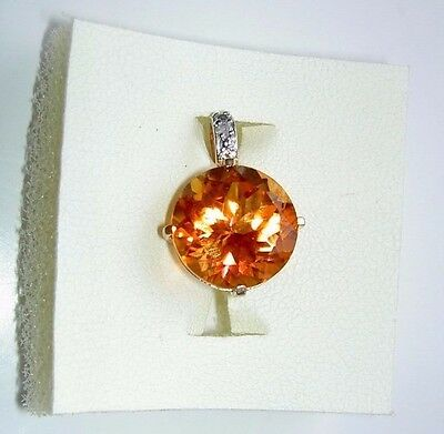 Lovely 9 ct Gold Pendant with Citrine? Cabochon Stone