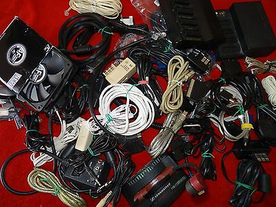 Lot important de cables informatique, video, télé...etc