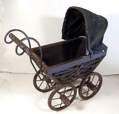 Victorian Stye Baby Doll Pram Wicker Carriage Stroller Buggy Carrier