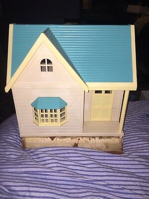 sylvanian families applewood cottage With Box