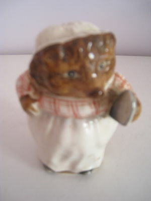 Beswick Beatrix Potter - Mrs Tiggy Winkle - Gold Oval Backstamp No 2