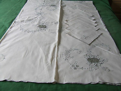 vintage cotton banqueting cloth and napkins embroidery and lace