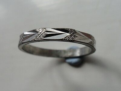 Old Attractive Nicely Cut Bright Silver Ring