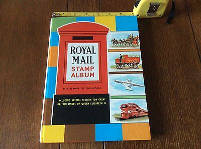 Royal Mail Stamp Album Approx 720 World Stamps